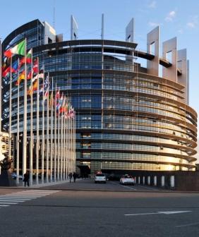 9703-14-02-04-parlement-europe-en-strasbourg-ralfr-046-1000x1000