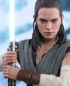 star-wars-the-last-jedi-rey-jedi-training-sixth-scale-hot-toys-feature-903205