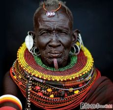 hombre-africano-joyas