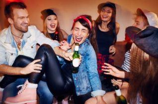 alcool-adolescents-jeunes-danger-istock